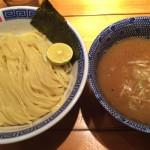 コッテリ魚介系スープに味変の黒七味が美味い!めん徳 二代目 つじ田 飯田橋店